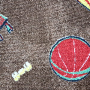 שטיח מקיר לקיר לחדרי ילדים ולגני ילדים חום כהה