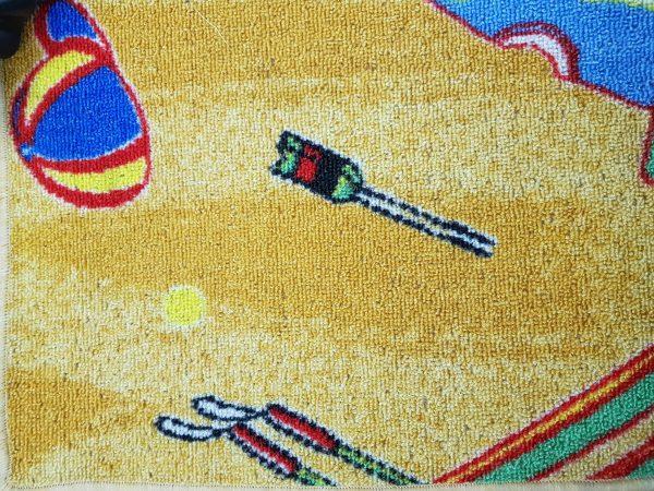 שטיח מקיר לקיר לחדרי ילדים ולגני ילדים חום בהיר